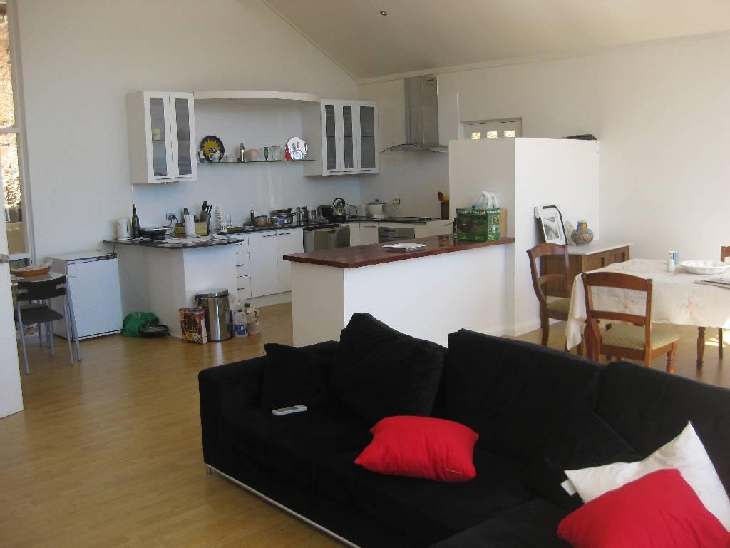 wg wohnung glen osmund australien tipps. Black Bedroom Furniture Sets. Home Design Ideas